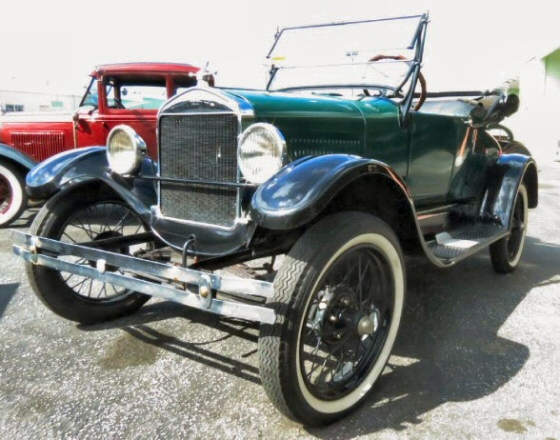 Photo of 1927 Ford Model T Roadster With Rumble Seat