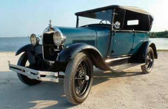 Photo of 1928 FORD Model A Phaeton Show Winner