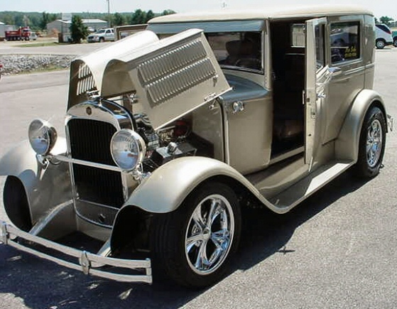 Photo of 1929 Essex 2 DR Street Rod