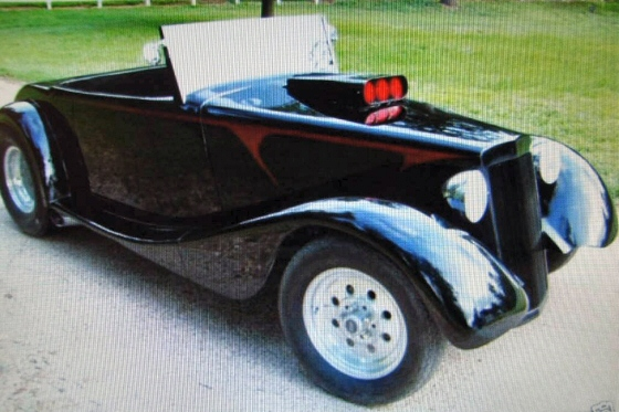 Photo of 1932 Chevy Full Fendered, Roadster Rod With Top