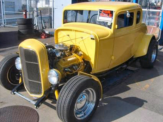 Photo of 1932 Ford Coupe Street Rod with Fiberglass Body