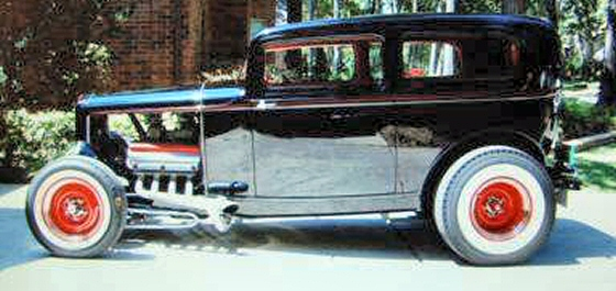 Photo of 1932 FORD TUDOR ROD WITH 392 HEMI