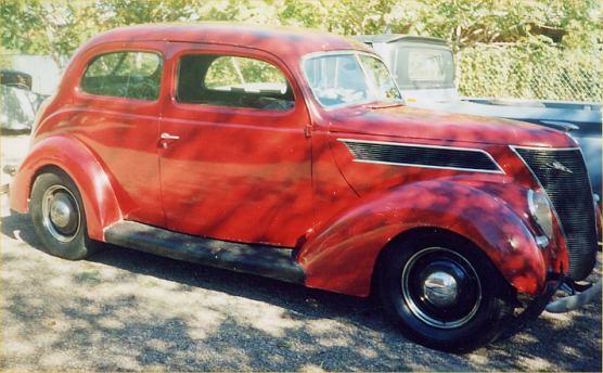 1937 ford sedan 2 door sedan humpback for 1937 ford 2 door