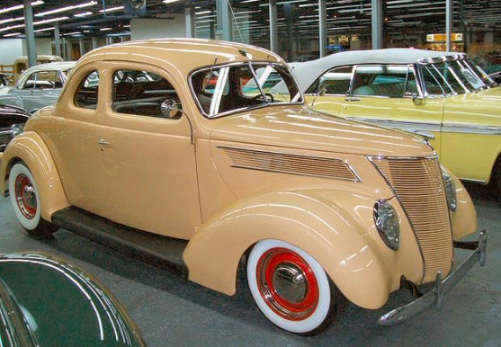1937 Ford Deluxe 5 Window Coupe Street Rod