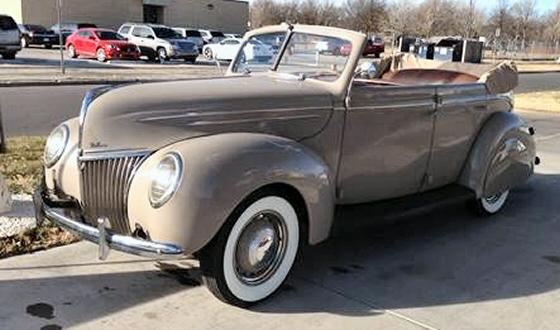 1939 ford 4 door deluxe sedan convertible for 1939 ford deluxe 4 door sedan