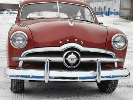 1949 Ford Tudor Shoebox Sedan