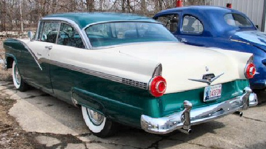 1956 FORD FAIRLANE 2DR HT