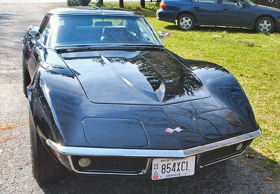 1969 Chevrolet Corvette - Stingray Paint and fiberglass are excellent.
