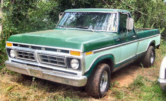 1976 Ford F-100 Ranger 1/2 ton, long bed pickup truck