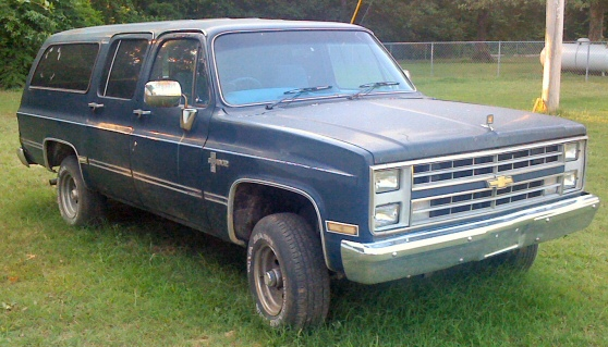 Picture of 1985 CHEVY SUBURBAN 4X4