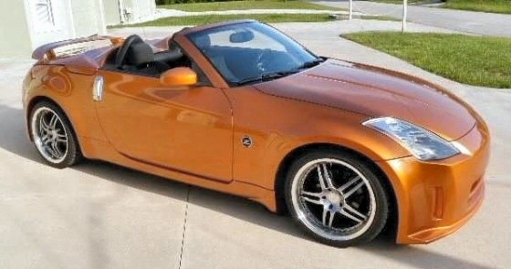 Photo of  2005 Nissan 350Z Roadster With 6 Speed Manual Transmission